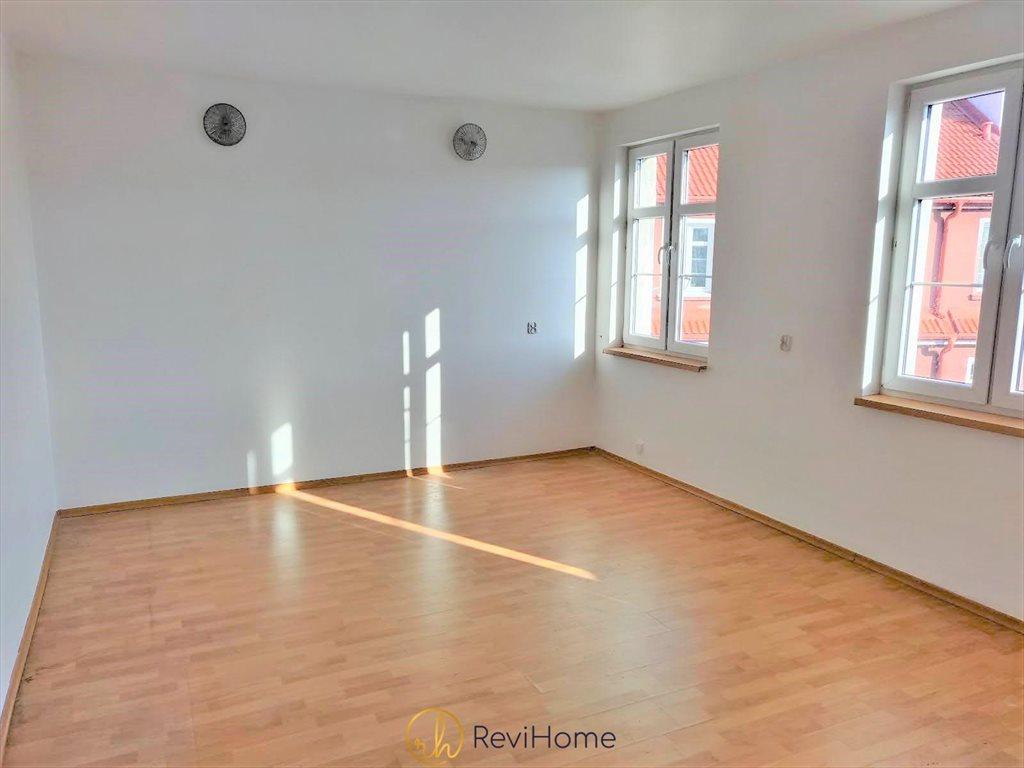 Mieszkanie trzypokojowe na sprzedaż Ełk, Stanisława Moniuszki  71m2 Foto 1