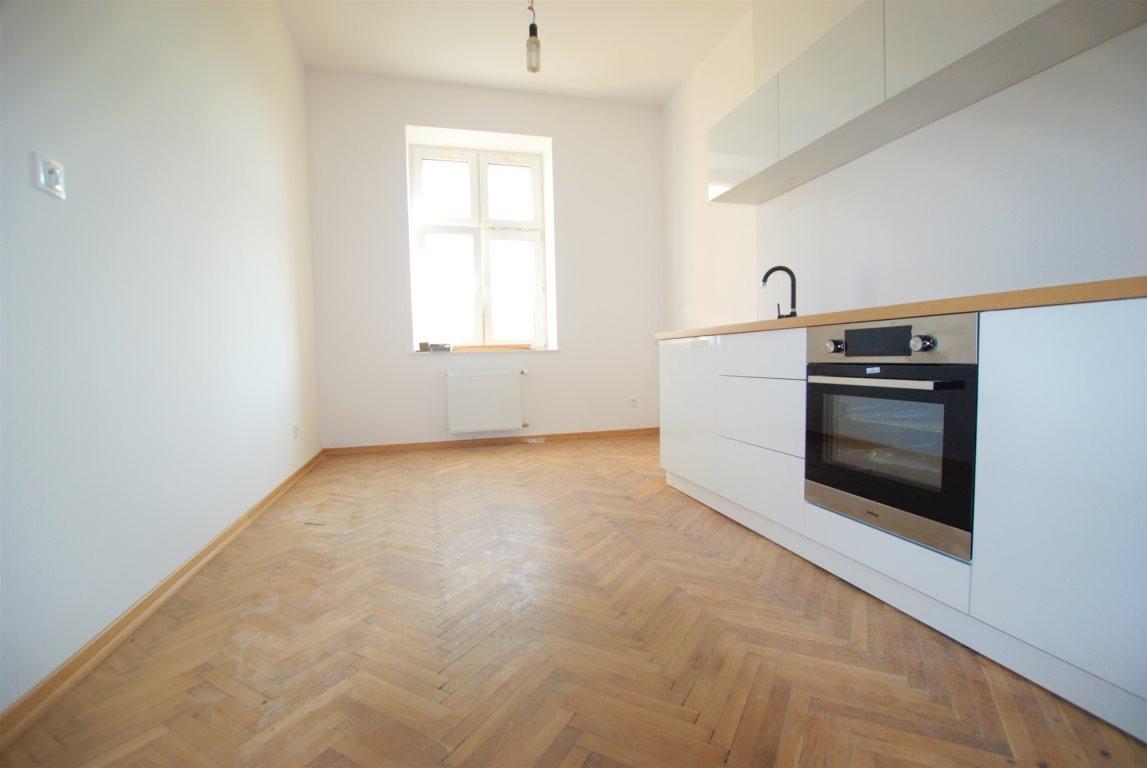 Mieszkanie dwupokojowe na wynajem Kielce, Centrum  91m2 Foto 2