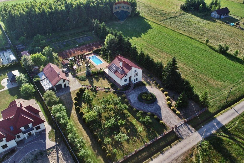 Dom na sprzedaż Moskorzew  220m2 Foto 1