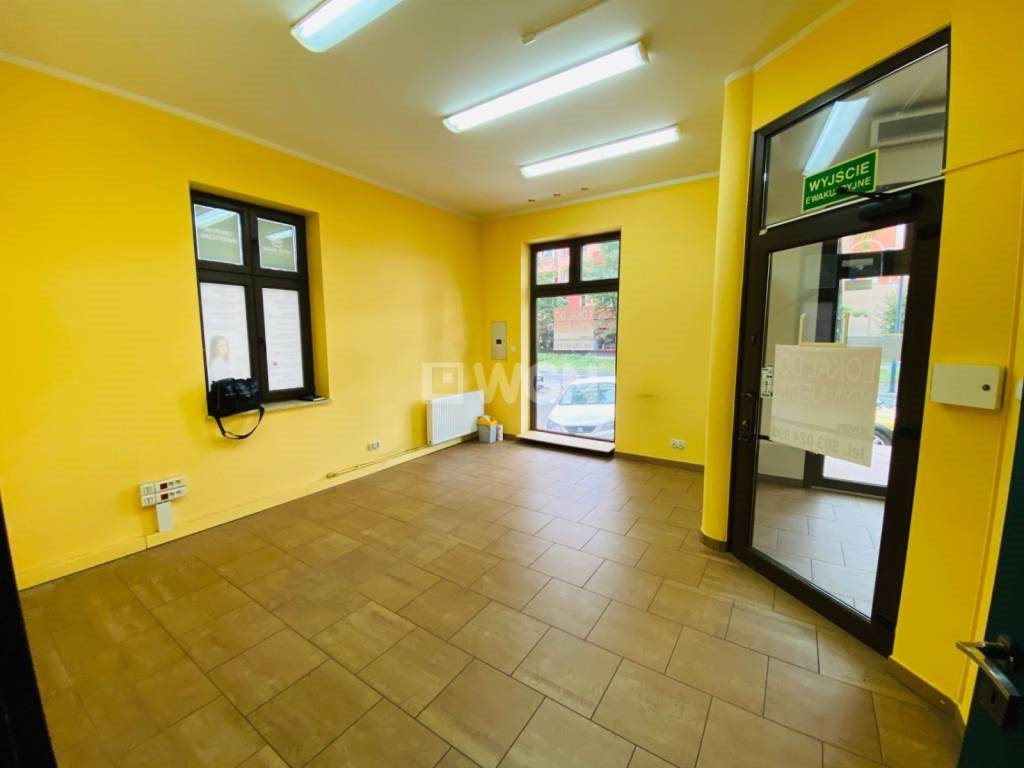 Lokal użytkowy na wynajem Jaworzno, Centrum, Grunwaldzka  56m2 Foto 1