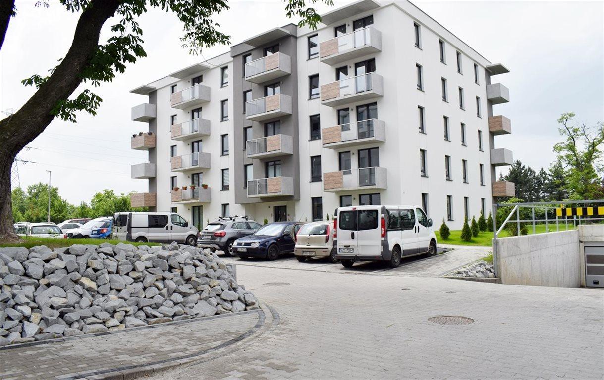 Mieszkanie trzypokojowe na sprzedaż Bielsko-Biała, Lipnik  69m2 Foto 1
