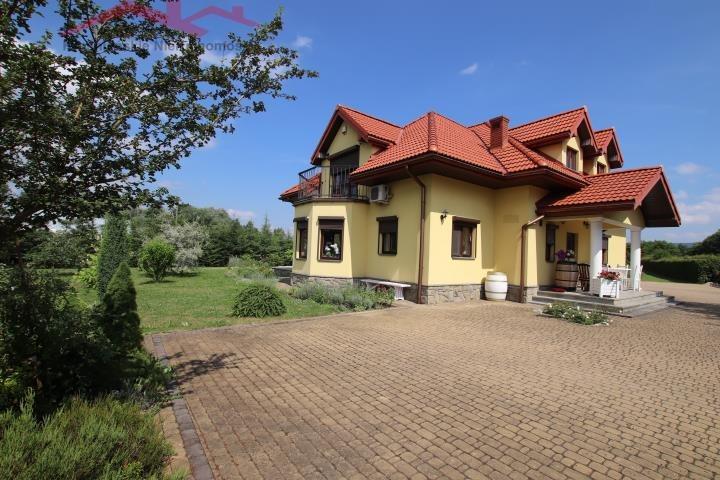 Dom na sprzedaż Krosno  247m2 Foto 1