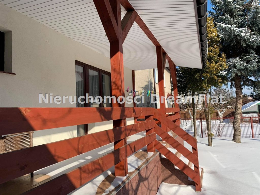 Dom na sprzedaż Ostrowiec Świętokrzyski  170m2 Foto 3
