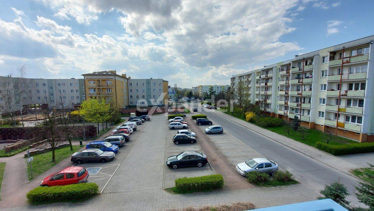 Mieszkanie trzypokojowe na sprzedaż Toruń, Koniuchy, Długa  62m2 Foto 2