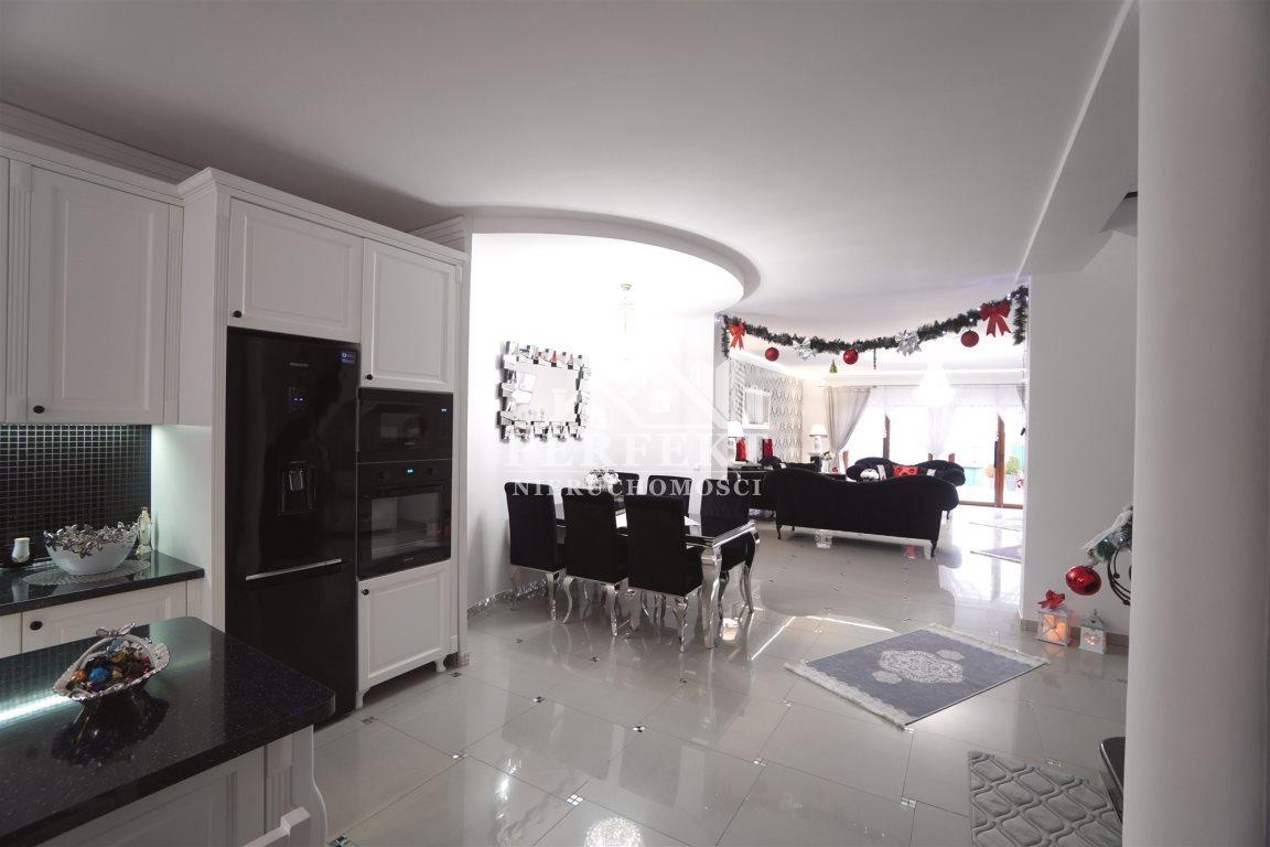 Dom na sprzedaż Inowrocław  196m2 Foto 2
