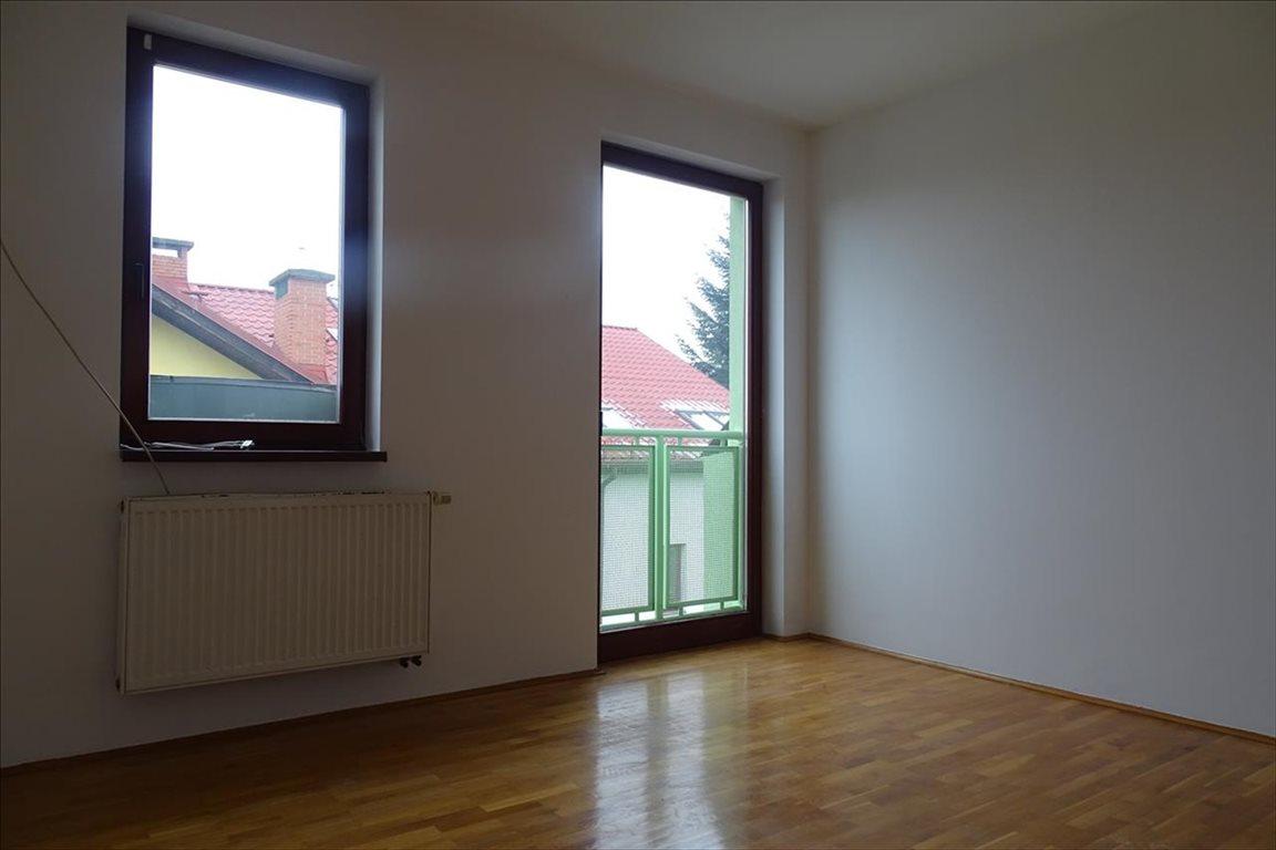 Mieszkanie trzypokojowe na sprzedaż Bielsko-Biała, Bielsko-Biała, Staffa  59m2 Foto 1