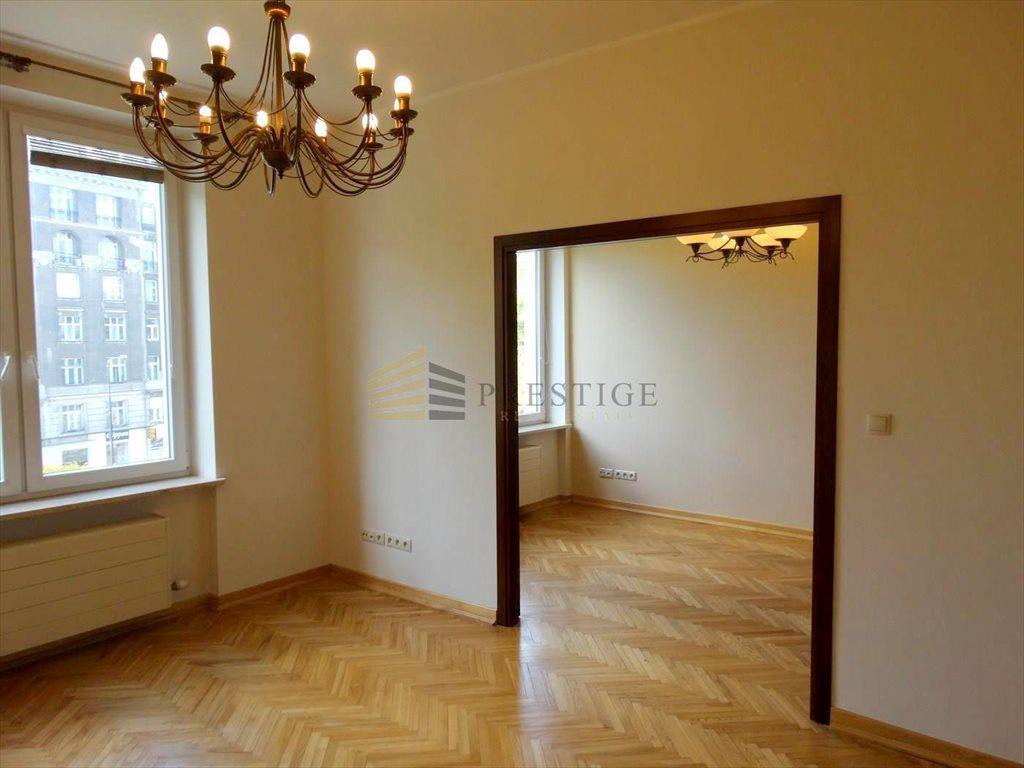 Mieszkanie trzypokojowe na wynajem Warszawa, Śródmieście, Piękna  63m2 Foto 3
