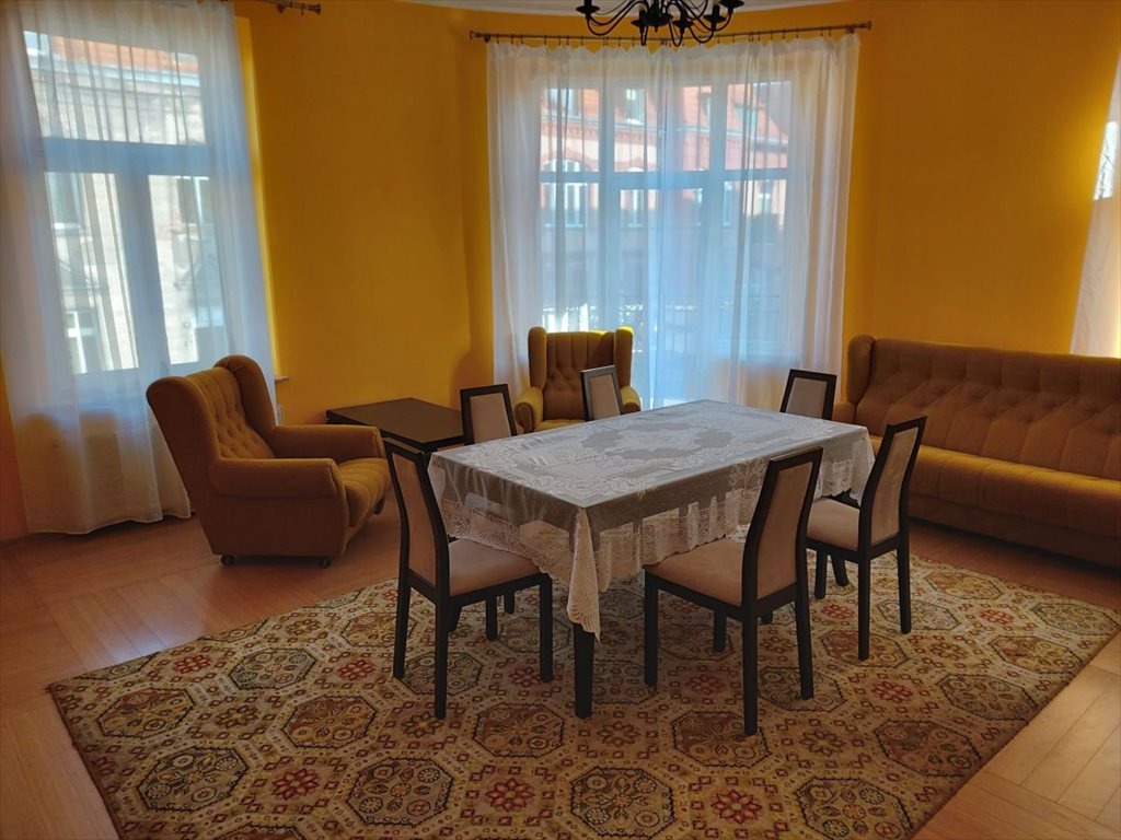 Mieszkanie dwupokojowe na sprzedaż Jelenia Góra  73m2 Foto 1