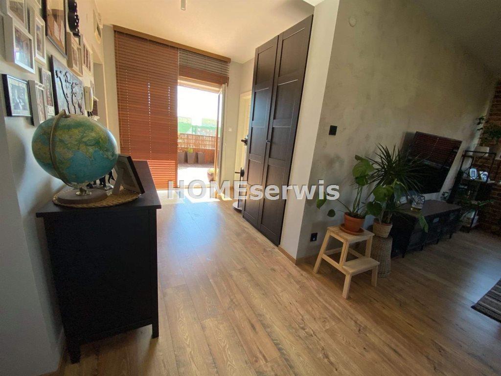 Mieszkanie czteropokojowe  na sprzedaż Ostrowiec Świętokrzyski  90m2 Foto 2