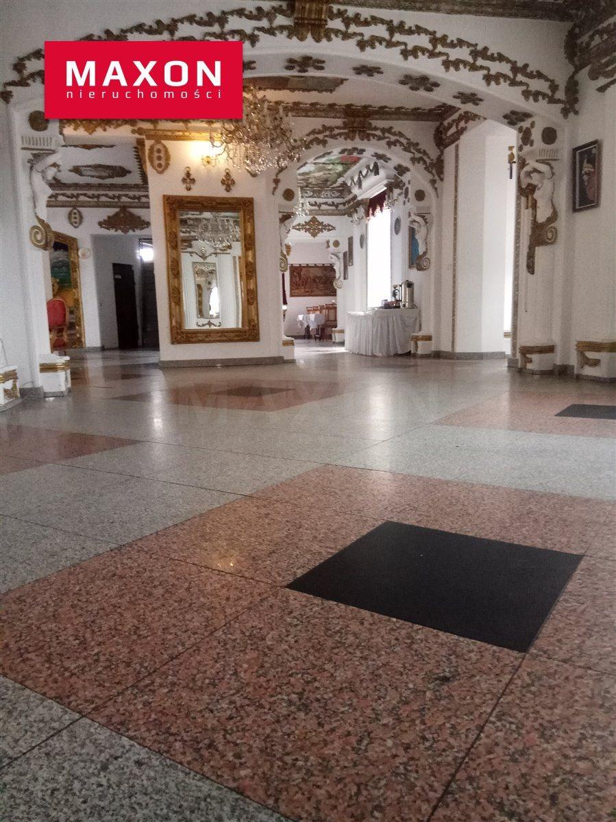 Lokal użytkowy na sprzedaż Ostrowiec Świętokrzyski, ul. Kuźnia  1000m2 Foto 1