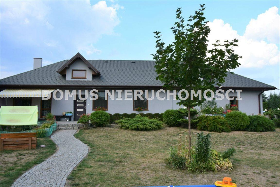 Dom na sprzedaż Łask  140m2 Foto 1
