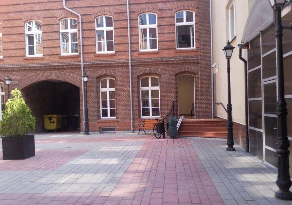 Lokal użytkowy na wynajem Poznań, Stare Miasto, 27 Grudnia  88m2 Foto 2
