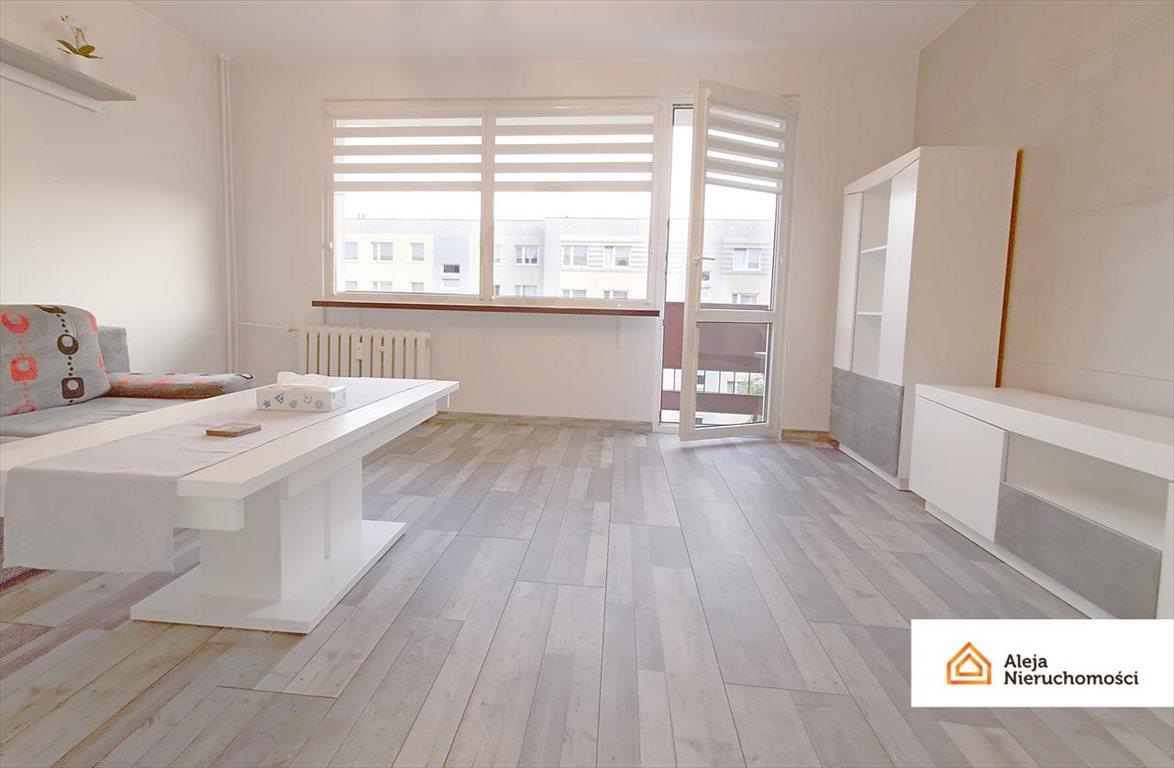 Mieszkanie dwupokojowe na wynajem Częstochowa, Stefana Starzyńskiego  52m2 Foto 2