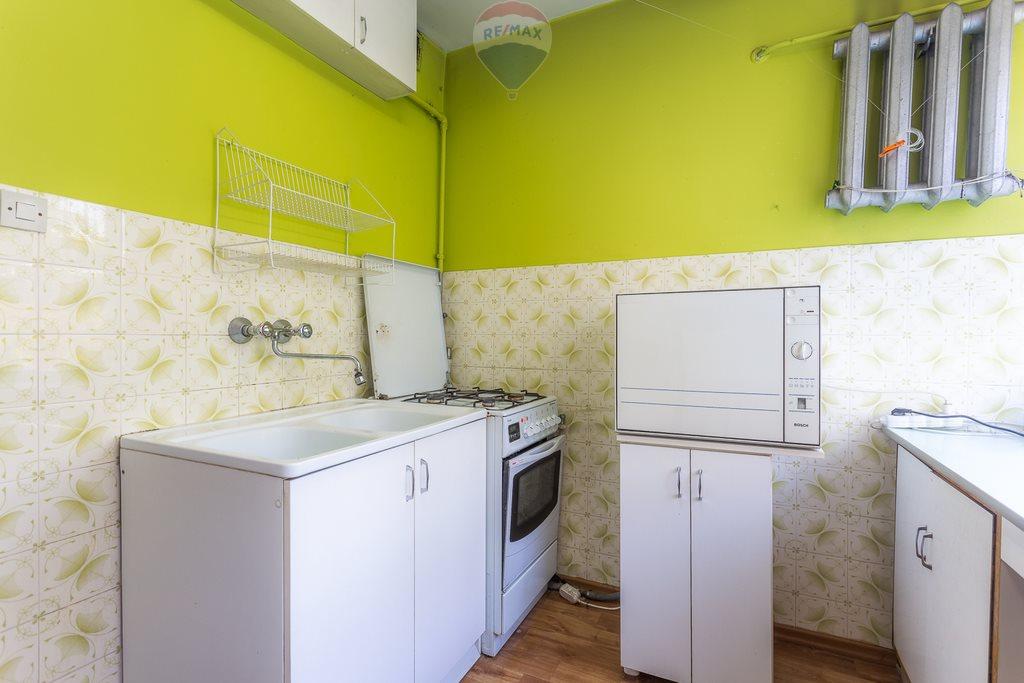 Mieszkanie czteropokojowe  na sprzedaż Pabianice, Stanisława Moniuszki  58m2 Foto 3