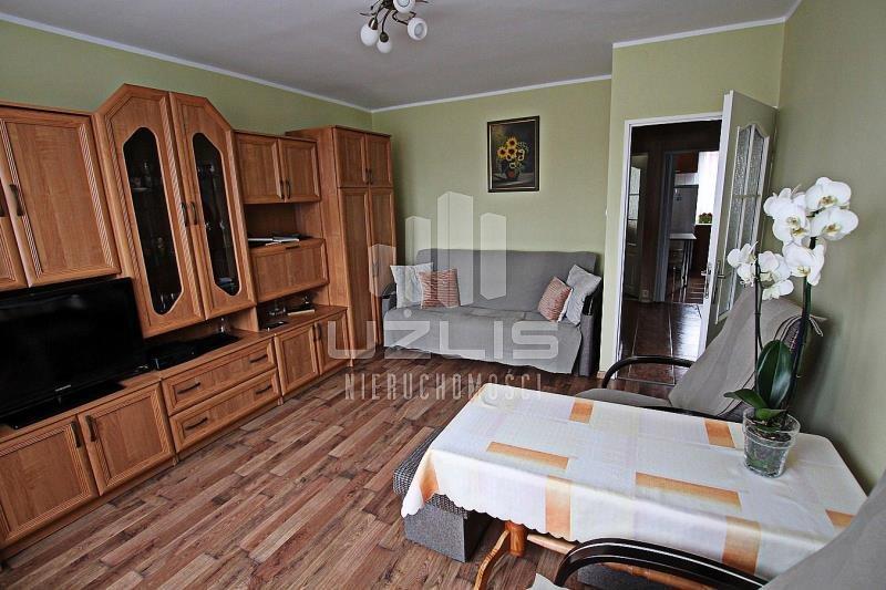 Mieszkanie trzypokojowe na sprzedaż Starogard Gdański, Osiedle Księdza Szumana  49m2 Foto 1