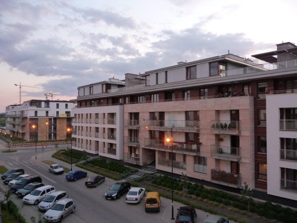 Garaż na wynajem Warszawa, Wilanów, Sarmacka 10 B/C/E  13m2 Foto 1
