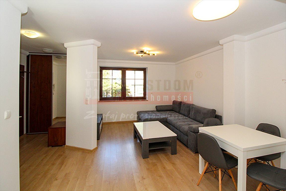 Mieszkanie trzypokojowe na wynajem Opole, Centrum  54m2 Foto 1