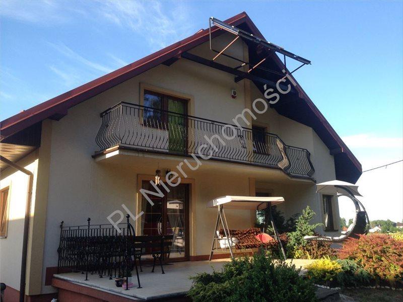 Dom na sprzedaż Urzut  215m2 Foto 1