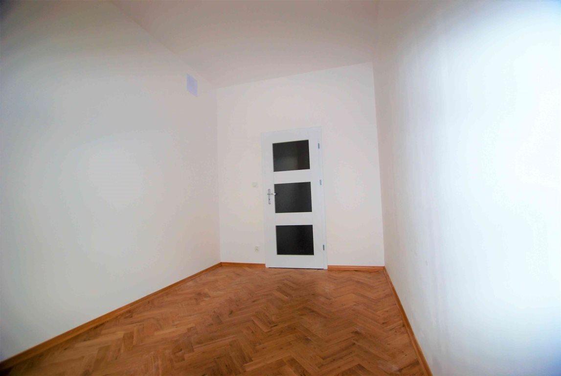 Mieszkanie dwupokojowe na wynajem Kielce, Centrum  54m2 Foto 6
