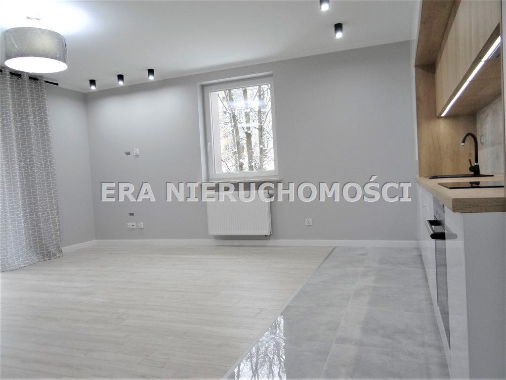 Mieszkanie czteropokojowe  na sprzedaż Białystok, Bema, Kard. Stefana Wyszyńskiego  74m2 Foto 5