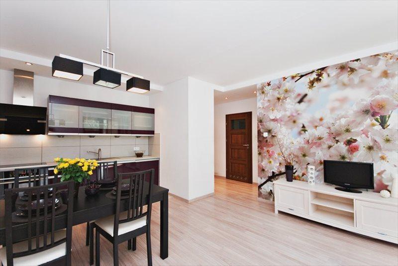 Mieszkanie dwupokojowe na wynajem Sopot, Centrum, Armii Krajowej 118  39m2 Foto 1
