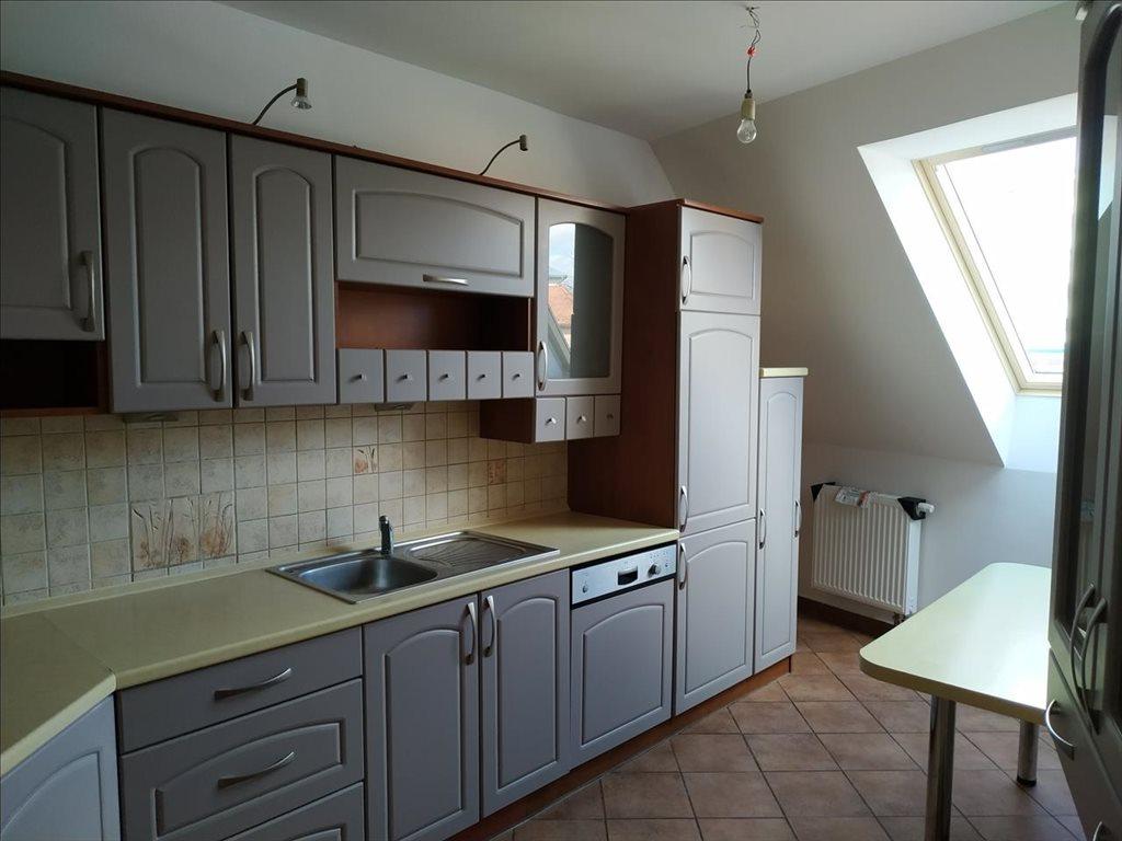 Mieszkanie czteropokojowe  na sprzedaż Trzebnica, Trzebnica  75m2 Foto 2