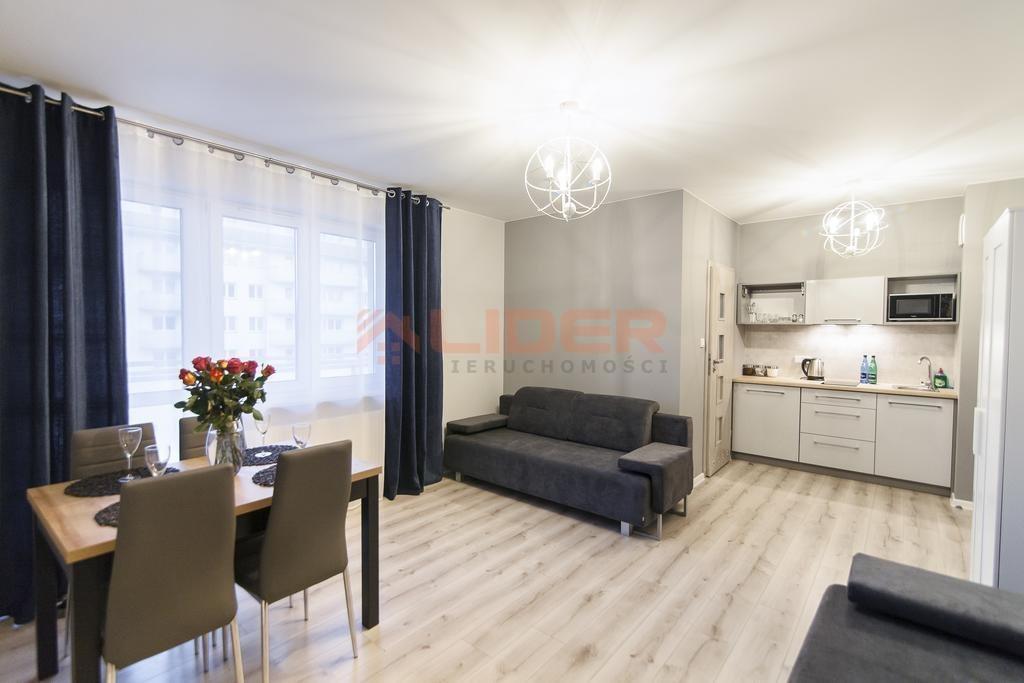 Mieszkanie czteropokojowe  na sprzedaż Białystok, Os. Piasta  84m2 Foto 1
