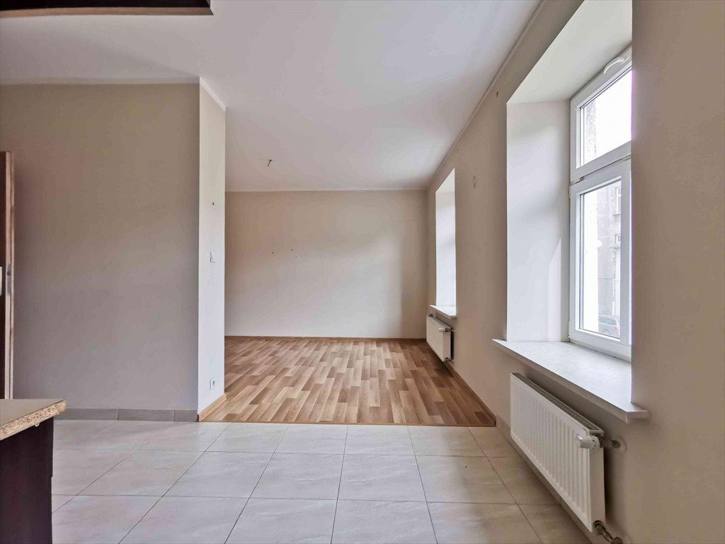 Mieszkanie dwupokojowe na wynajem Częstochowa, Śródmieście, Aleja Najświętszej Maryi Panny  45m2 Foto 3