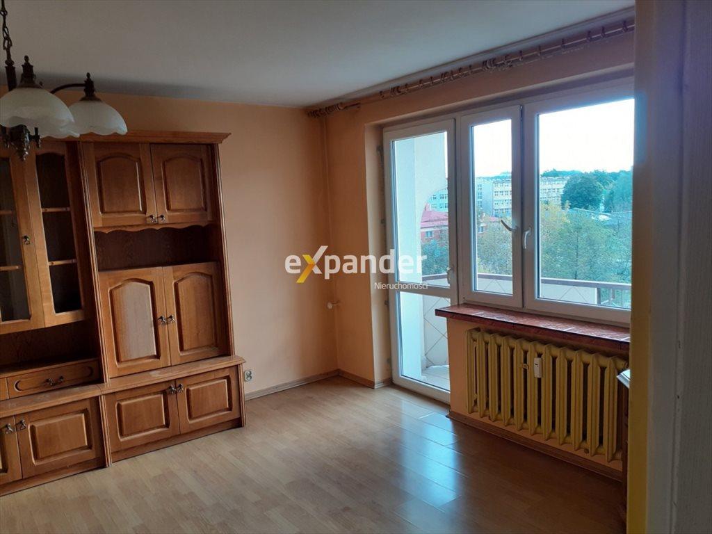 Mieszkanie czteropokojowe  na sprzedaż Częstochowa, Tysiąclecie, Aleja Armii Krajowej  68m2 Foto 1