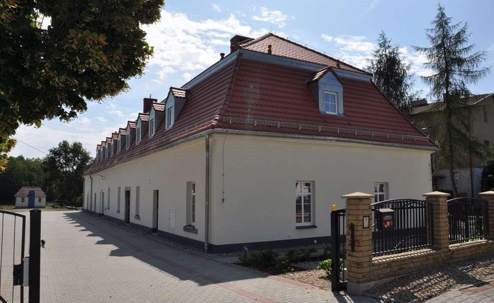 Dom na wynajem Wrocław, Fabryczna, 10 km od Leśnicy  800m2 Foto 1