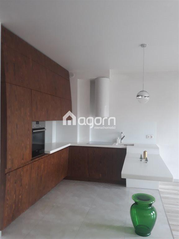 Mieszkanie czteropokojowe  na sprzedaż Bielsko-Biała, Karpackie  64m2 Foto 1