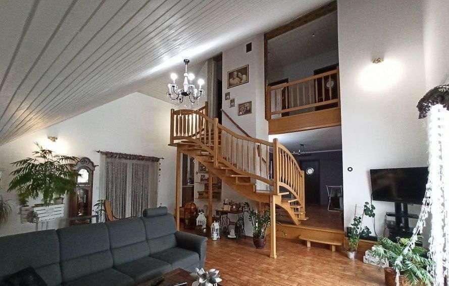 Dom na sprzedaż Bąków  144m2 Foto 1
