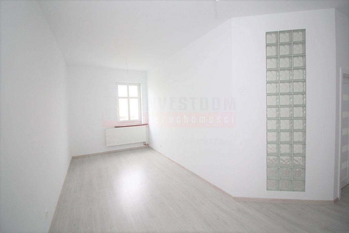 Mieszkanie trzypokojowe na sprzedaż Kluczbork  79m2 Foto 1