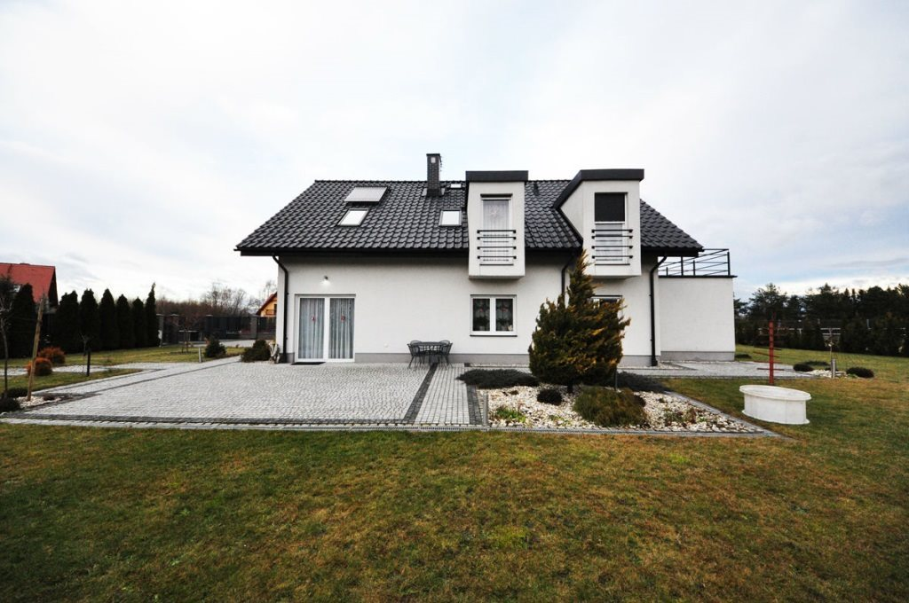 Dom na sprzedaż Głuchołazy  201m2 Foto 1