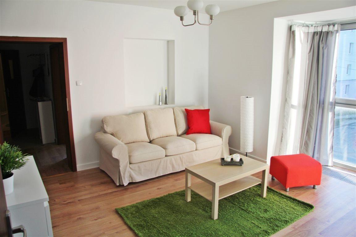 Mieszkanie dwupokojowe na wynajem Kielce, Centrum  52m2 Foto 1