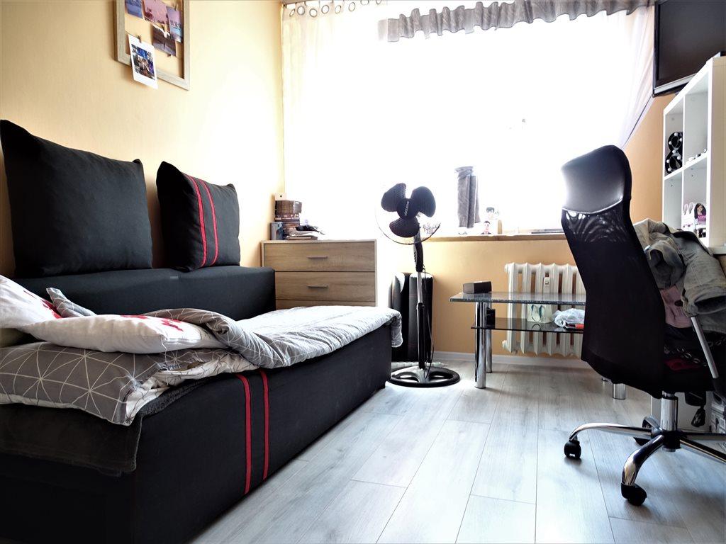 Mieszkanie trzypokojowe na sprzedaż Bytom, Szombierki, Bałtycka  65m2 Foto 4