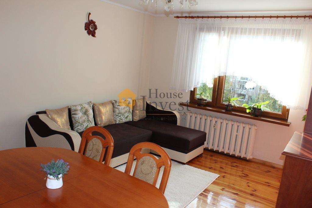 Mieszkanie trzypokojowe na sprzedaż Legnica, Kazimierza Wierzyńskiego  64m2 Foto 1