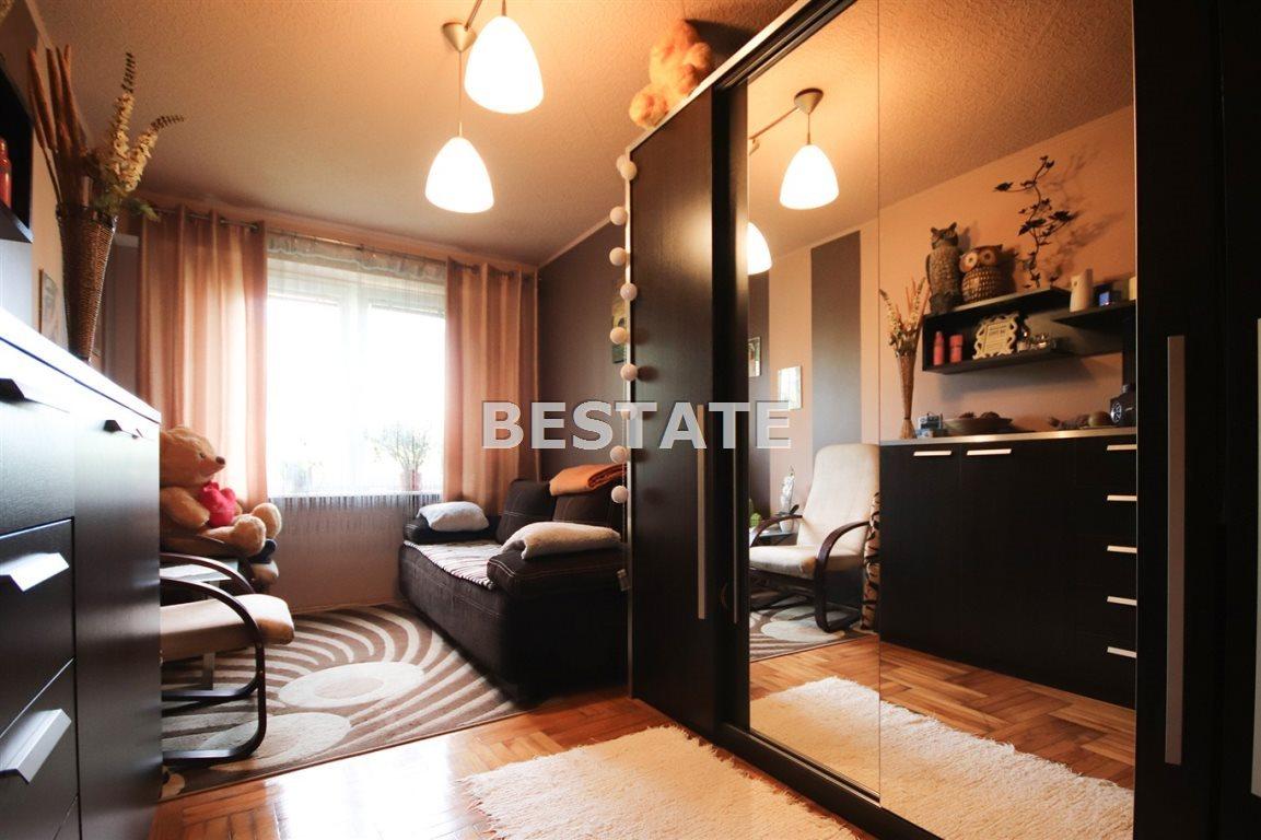 Mieszkanie czteropokojowe  na sprzedaż Tarnów  60m2 Foto 2