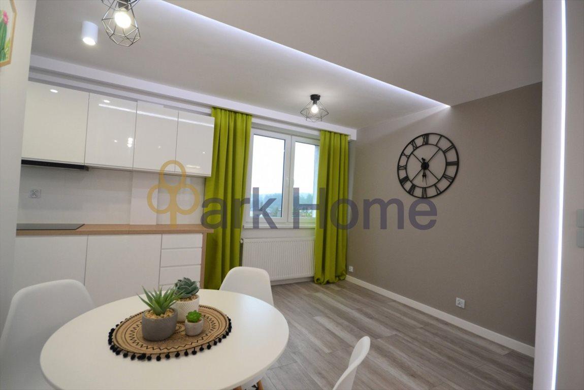 Mieszkanie trzypokojowe na sprzedaż Kożuchów, 22 Lipca  49m2 Foto 1