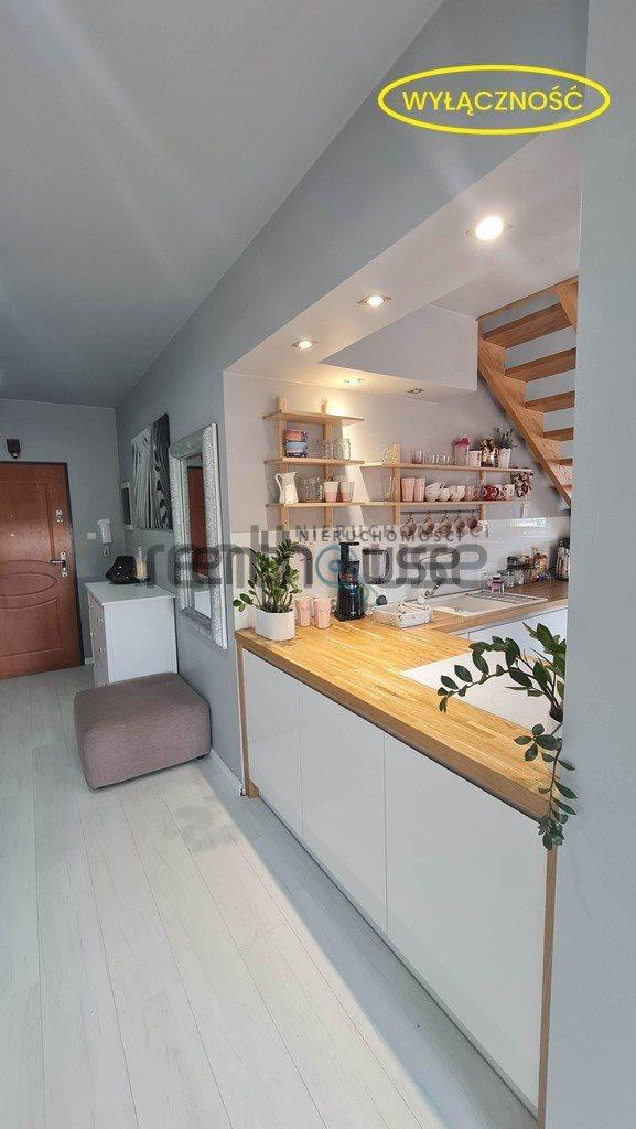 Mieszkanie czteropokojowe  na sprzedaż Bielsko-Biała  75m2 Foto 3