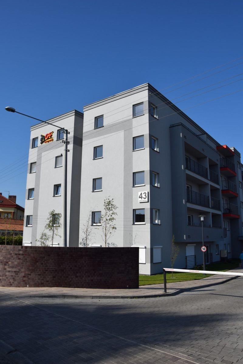 Mieszkanie trzypokojowe na sprzedaż Ostrów Wielkopolski, Zębcowska  59m2 Foto 2