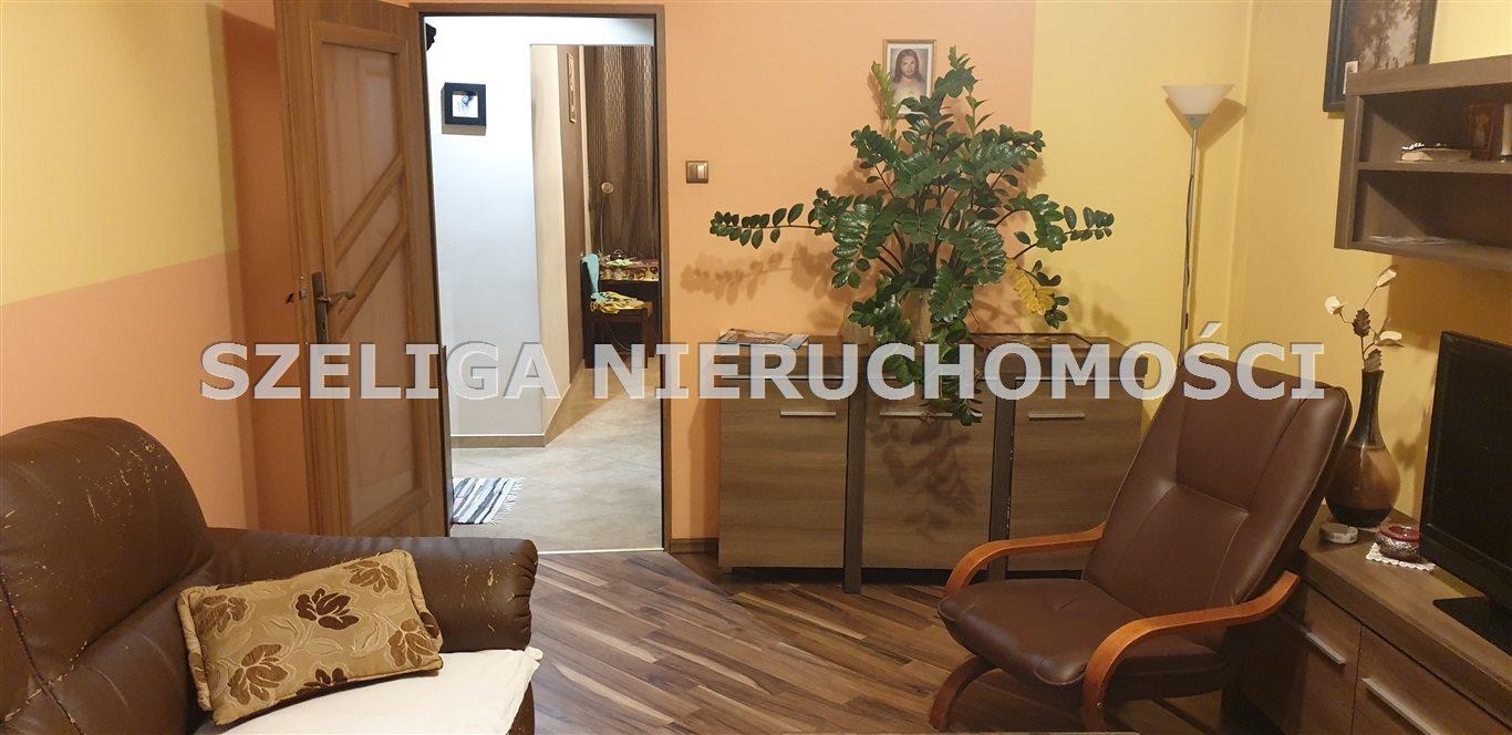 Mieszkanie trzypokojowe na sprzedaż Gliwice, Szobiszowice, OKOLICE BATALIONU KOSYNIERÓW, C.O., C.W. Z SIECI, BALKON  54m2 Foto 1
