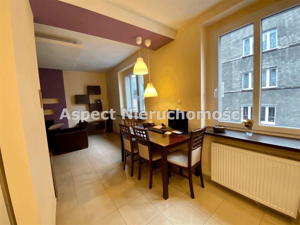 Mieszkanie dwupokojowe na sprzedaż Zabrze, Centrum  68m2 Foto 10