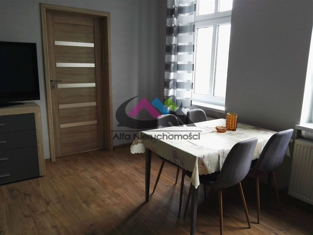 Mieszkanie dwupokojowe na wynajem Piła, Zamość  42m2 Foto 1