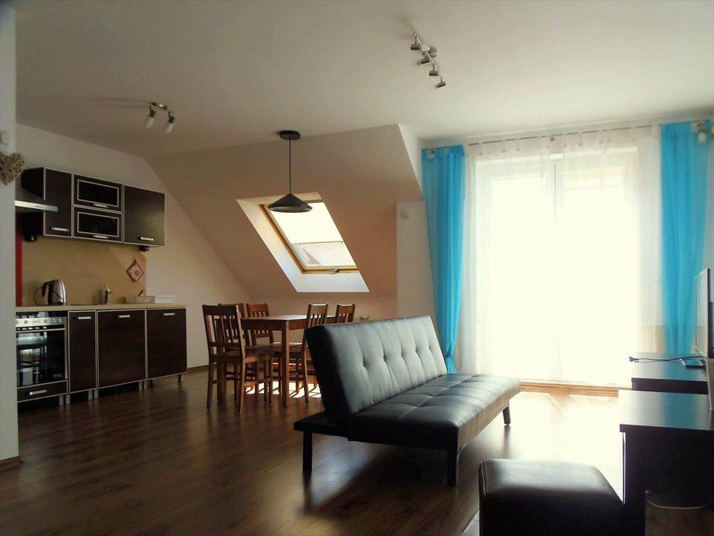 Mieszkanie trzypokojowe na wynajem Kołobrzeg, Zapleczna  60m2 Foto 1