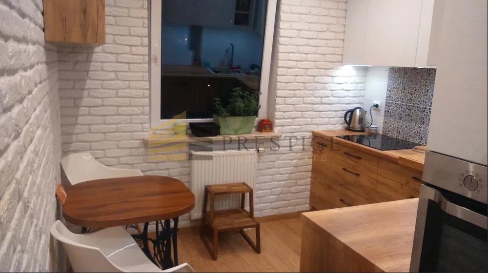 Mieszkanie trzypokojowe na wynajem Warszawa, Wola, Wolność  77m2 Foto 1