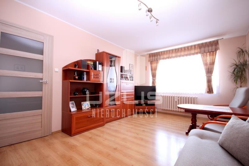 Mieszkanie trzypokojowe na sprzedaż Starogard Gdański, Przejezdna  69m2 Foto 1
