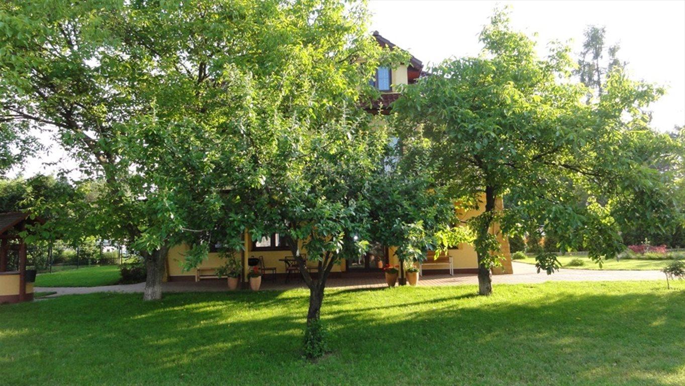 Dom na wynajem Magdalenka, Jarzębinowa  250m2 Foto 3