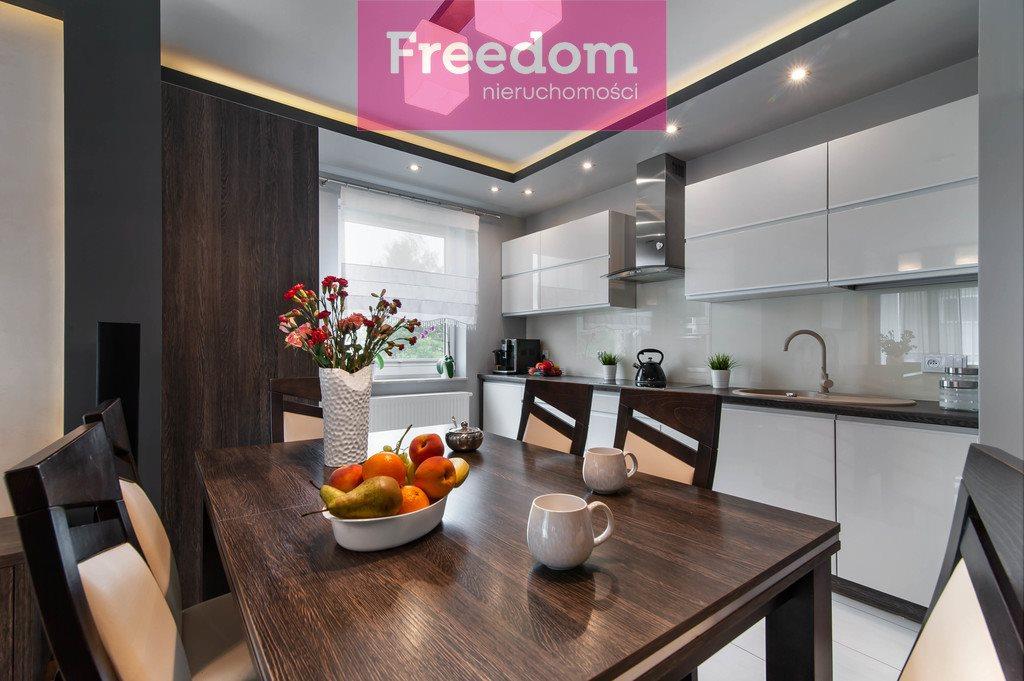 Mieszkanie trzypokojowe na sprzedaż Zgierz, Chemików  81m2 Foto 2