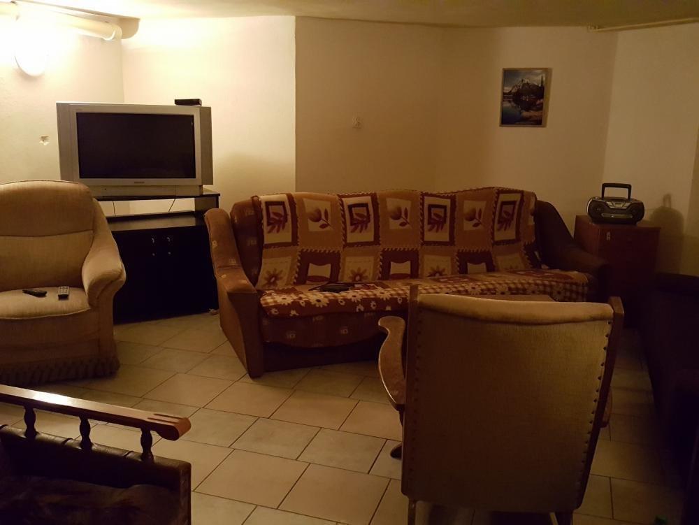 Mieszkanie dwupokojowe na wynajem Chyby  80m2 Foto 3